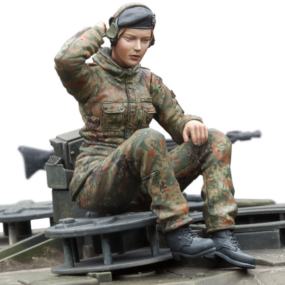 Sol 1 16 Dt Bundeswehr Female Tank Gunner 49 95